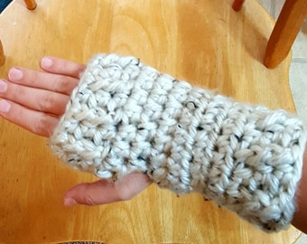 SALE!! Fingerless Texting Mittens in Speckled Cream--ready to ship!