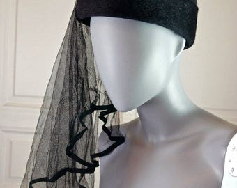 French Vintage Black Wool/Mohair Women's Hat w Long Veil, Elegant Black Hat, 1960s Mohair/Wool Black Hat, Funeral Hat, Mourning Hat: Size S