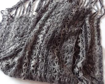 Shawl, Womens Shawl, Vintage Womens Shawl,Crocheted shawl,Womens scarf,Black grey shawl,Grey scarf,winter scarf