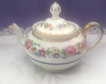 Pretty floral Bone China Tea pot 2 cup gold trim