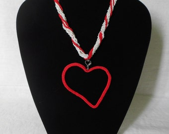 Torcion crochet with Red Heart Necklace