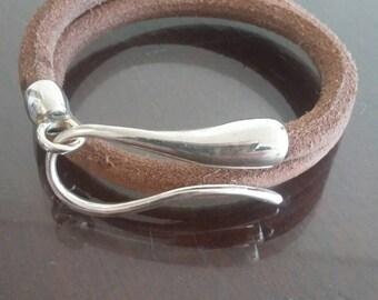 Trendy leather bracelet