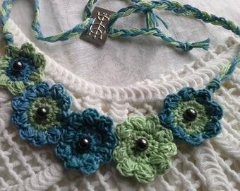 Unique hippy / romantic style crochet necklace.
