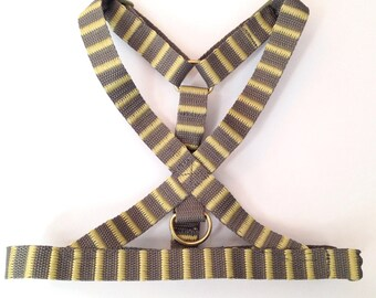Dog harness : Striped grey / lime green no choke puppy/small dog harness. Adjustable