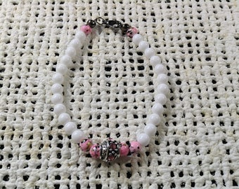 Pink and white accent bracelet