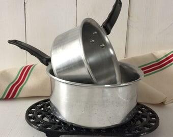 2 French Esso sauce pans.Vintage aluminum sauce pans.1960's Esso sauce pans. 2 1960 vintage casserole.Collectable pans.French collectable