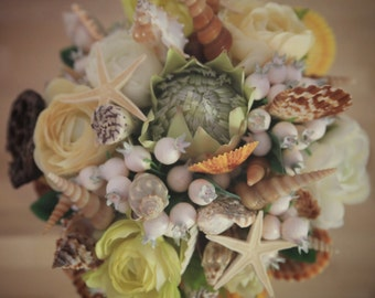 Shell & Flower Arrangement