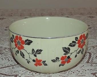 "Vintage Hall's Red Poppy 6""  1 Qrt. Round Radiance Bowl"