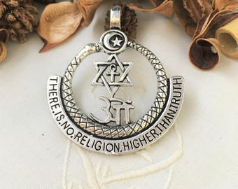 large symbols and snake pendant round silver engravings aged, 5.6 cm