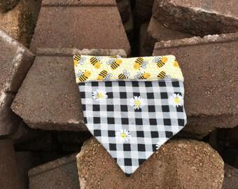 DaisyBee- dog bandana- dog scarf- dog neckwear