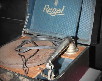 1920's Regal Hand Crank Turntable, Record Player, Gramophone, Victrola