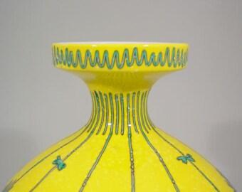 RAYMOR mid century Italian studio pottery vase design ALVINO BAGNI yellow ceramic bitossi londi modernism design 1960s avant garde Italy