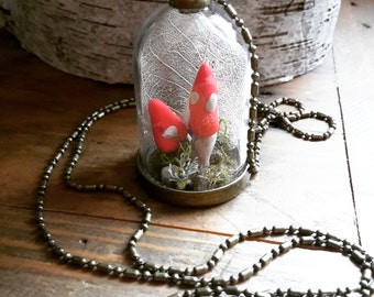 Terrarium Dome Specimen Jar Necklace