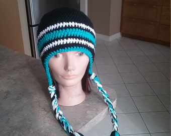 Adult black and blue Tuque