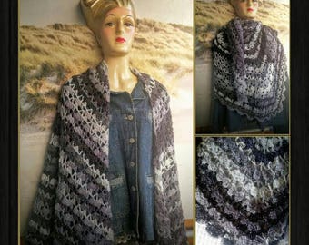 spacious festive shawl