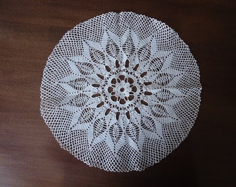 Middle crochet doily Round ecru handmade crochet doily Lace doily Crocheted doilies Living room decor elements Crochet tablecloth