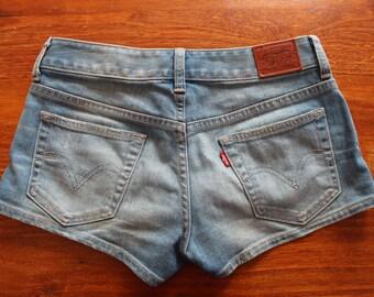 Levi Strauss & Co denim shorts (size 26)