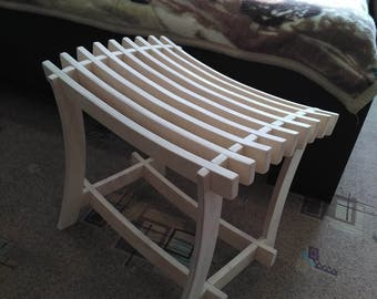 Стильный табурет из березовой фанеры. Stylish stool from birch plywood.