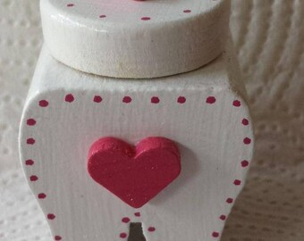 Milk tooth box heart