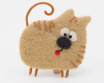 Cat Brooch, Cat Jewelry, Cute Animal Brooch, Felt Cat Brooch, Needle Felted Brooch, Woolen Brooch, Cat redhead, Cat as a gift, beige, funny