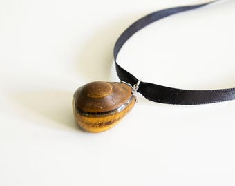Tiger eye jewelry pendant necklace. Stone pendant necklace.