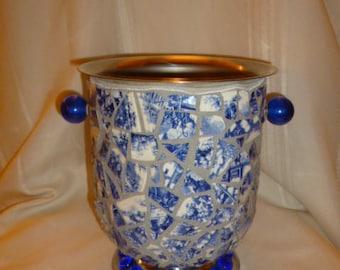 Mosaic Blue Willow Ice Bucket