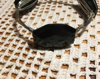 Black acrylic bead Bangle bracelet
