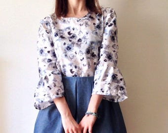 Floral blue and white blouse / tunic