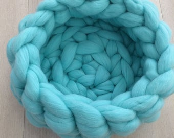 Super Chunky Merino Wool - Soft Cat/Dog bed - dog/cat basket - Hand Made/Arm Knitting
