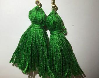 Medium green tassel