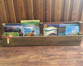 Pallet bookshelf/shelf