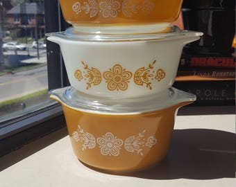 Pyrex Butterfly gold bake and serve set with lids