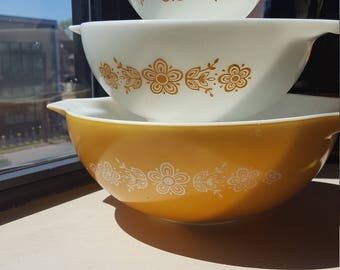 Pyrex Butterfly Gold Cinderella bowls