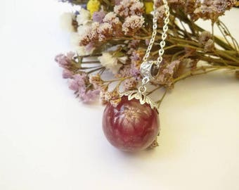 Chic handmade pendant with this flower