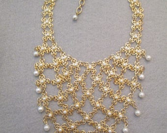 SALE>>Beautiful Gold & Pearl BIB Necklace>> very different>> New old stock, never worn>> Intricate Gold Working