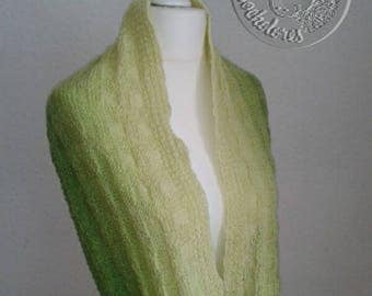 Scarf, Loopschal. hand knitted, green gradient,