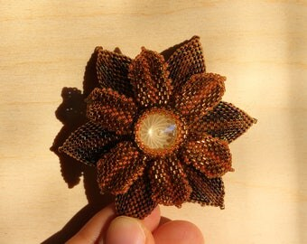 Bead brooch Bronze flower