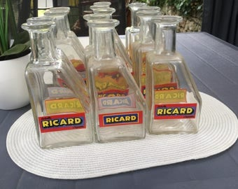 Small carafe of Bistro glass Ricard Anisette, 60s vintage.  Dimensions: 9 x 6 x 20 cm. Weight 550 g.