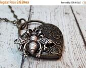 ON SALE Queen Bee Steampunk Locket Necklace, Bee Locket, Locket Jewelry, Bee Jewelry, Steampunk Bee, Statement Jewelry, Flower Locket