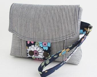 Wristlet Clutch Fabric Handbag with Two Zippered Pockets