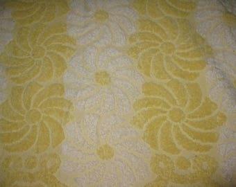 Vintage Bath Towel, Cotton Terry Cloth, Cannon 1970s Seventies Retro Bath Linens Fabric, White Yellow. Swirl Flowers
