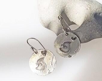 Tiny Bird Earrings, round disc silver earrings, teenage earrings, girl earrings, mother daughter jewelry, romanza jewelry