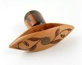 Handi-Wind Wooden Tatting Shuttle©