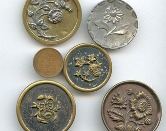 Victorian Large Buttons Lot of (5) UNUSUAL Flowers Floral Antique Metal Picture Pictorial 3491