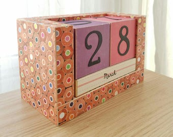 Perpetual Wooden Block Calendar - Art School Colored Pencils