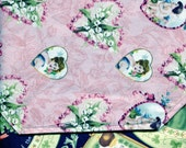 Vintage Hearts Table Runner
