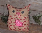 """Primitive Owl Doll Pink & Red Hearts LOVE Valentine February 14 """"Kiss Me"""" Heart Bowl Fillers Ornies Ornaments Tucks"""