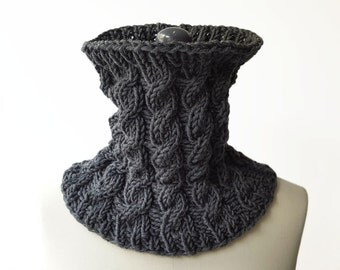 Merino Wool Cable Collar / Snood / Neckwarmer / Small Loop Scarf. Hand Knit. Handmade in France.