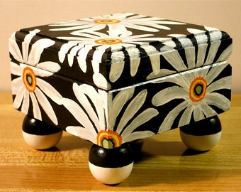 Painted Daisy Jewelry Box, Black And White Keepsake Box, Square Wooden Painted Box, Floral Jewelry Box, Jewelry Box With Feet, Lined Box