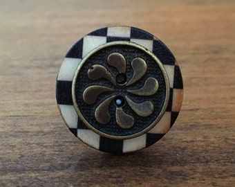 Checkered Swirl - Stacked Button Ring